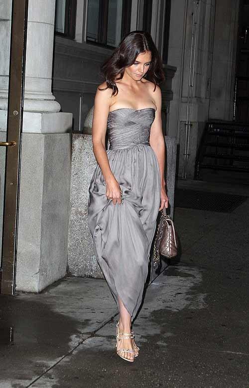 Tony Award 2010: Katie Holmes è la presentatrice della cerimonia