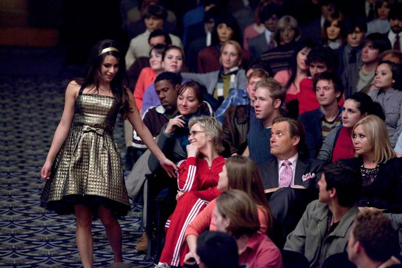 Lea Michele vicina al pubblico nell'episodio Journey di Glee