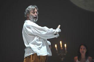 Enzo Salomone in scena con la Tempesta di Shakespeare (2010) con lo Stabile di Napoli