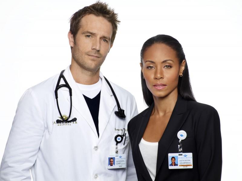 Jada Pinkett Smith e Michael Vartan in una immagine promozionale della stagione 2 di Hawthorne