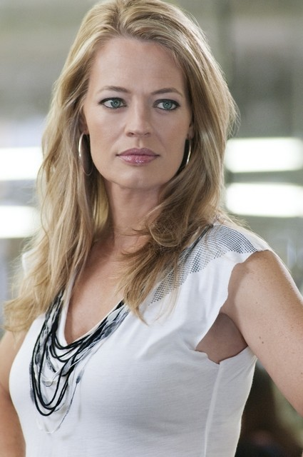Jeri Ryan nell'episodio The Bottle Job di Leverage