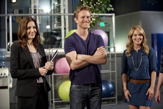 Michelle Clunie, Neil Jackson e Candace Cameron nell'episodio Friends Close, Enemies Closer di Make it or Break it