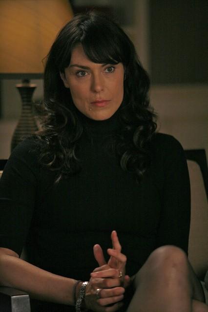 Michelle Forbes in una scena della serie TV In Treatment