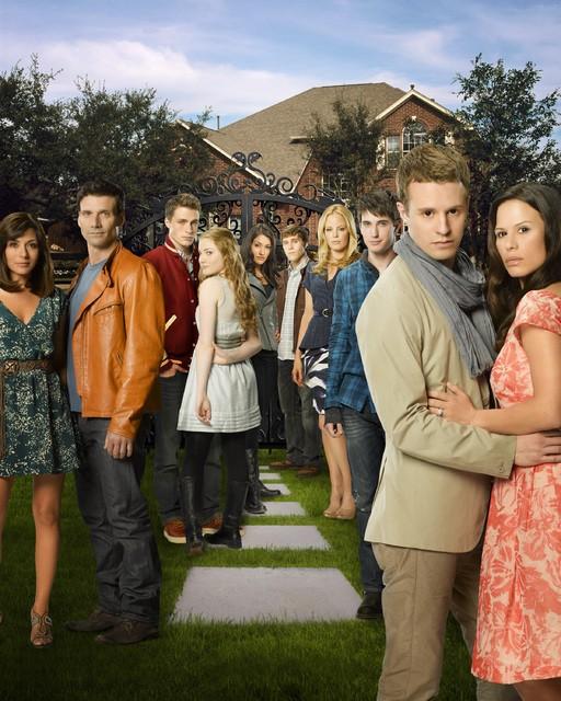 Una foto promozionale del cast di The Gates