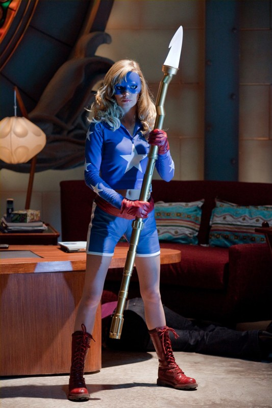 Britt Irvin è Stargirl in una scena dell'episodio Absolute Justice di Smallville