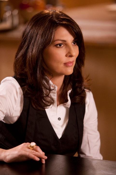 Gina Bellman in una scena dell'episodio The Jailhouse Job di Leverage
