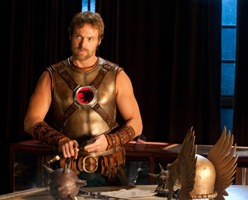Hawkman (Michael Shanks) senza maschera nell'episodio Absolute Justice di Smallville