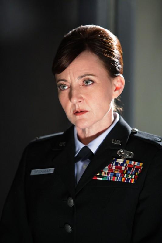 Il Generale Diane Beckman (Bonita Friedericy) in una sequenza dell'episodio Chuck Versus the Subway