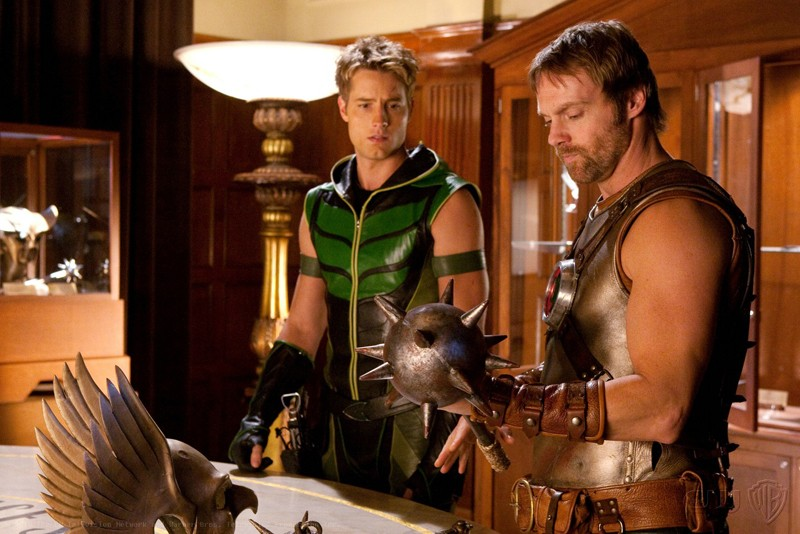 Justin Hartley e Michael Shanks in una sequenza dell'episodio Absolute Justice di Smallville