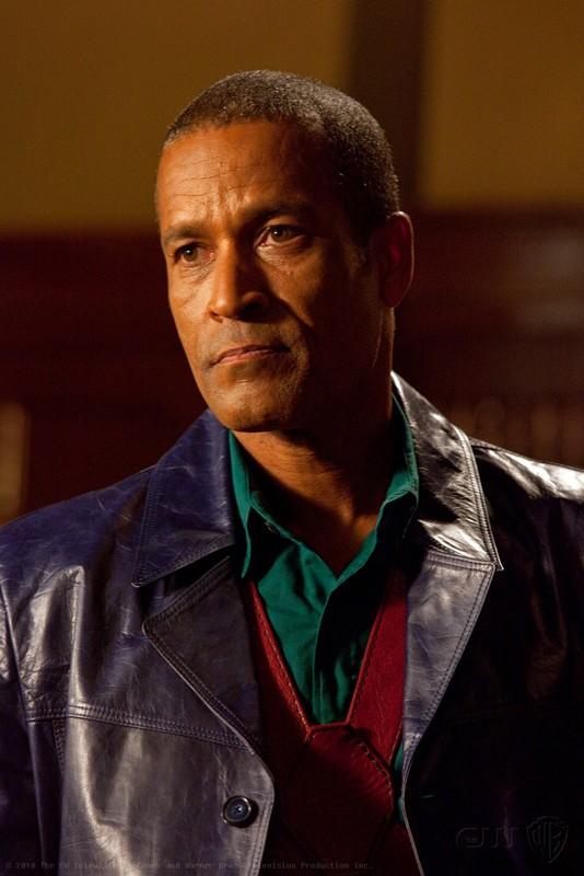 Phil Morris è John Jones/Martian Manhunter nell'episodio Absolute Justice di Smallville
