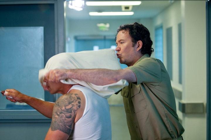 Timothy Hutton in un momento dell'episodio The Jailhouse Job di Leverage