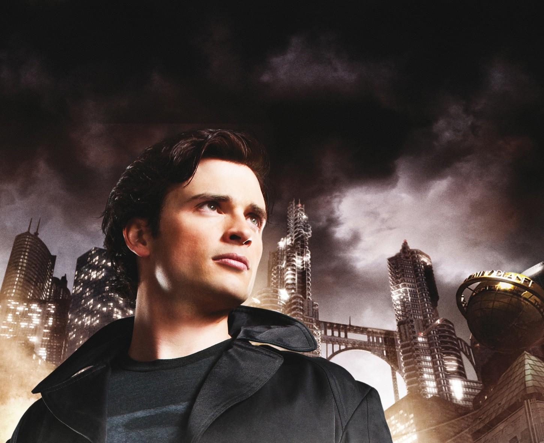 Un wallpaper della stagione 9 di Smallville con Tom Welling