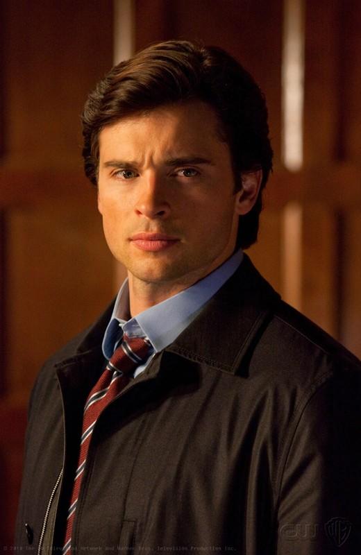 Una scena dell'episodio Absolute Justice di Smallville con Clark (Tom Welling)