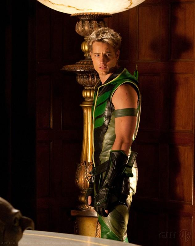 Una sequenza dell'episodio Absolute Justice di Smallville con Justin Hartley