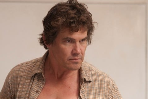Josh Brolin nel film You Will Meet a Tall Dark Stranger