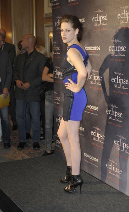 Kristen Stewart a Berlino veste Versace