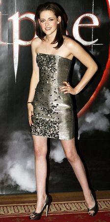 Kristen Stewart presenta Eclipse a Stoccolma, fasciata in un abito Oscar de la Renta