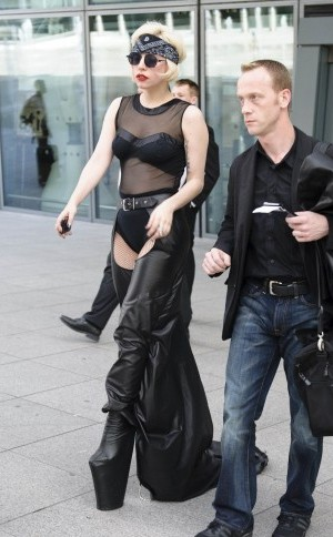 Lady Gaga all'aeroporto di Heathrow
