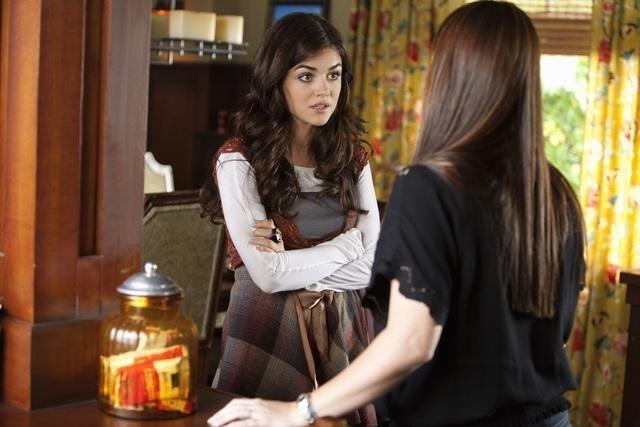Lucy Hale nell'episodio Reality Bites Me di Pretty Little Liars