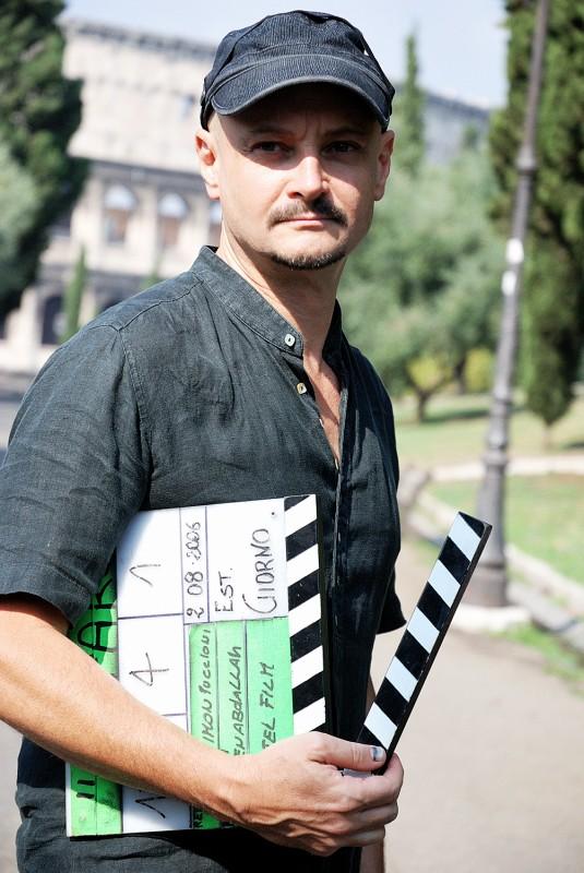 Marco Simon Puccioni sul set del documentario 'Il colore delle parole'.