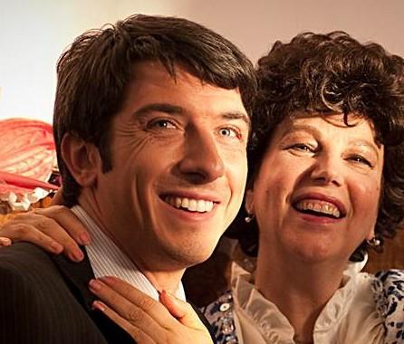 Paolo Ruffini con Stefania Sandrelli in La prima cosa bella