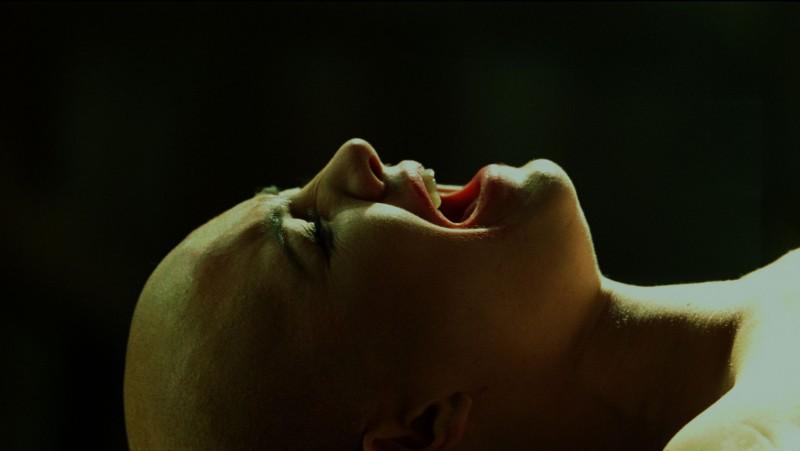Primo piano di Delphine Chanéac dal film Splice