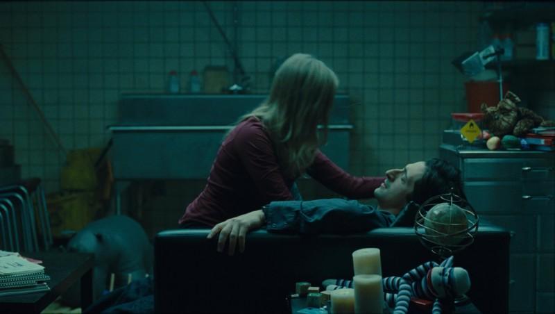 Sarah Polley e Adrien Brody in un'immagine del film Splice