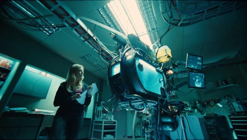 Sarah Polley in una scena del film Splice