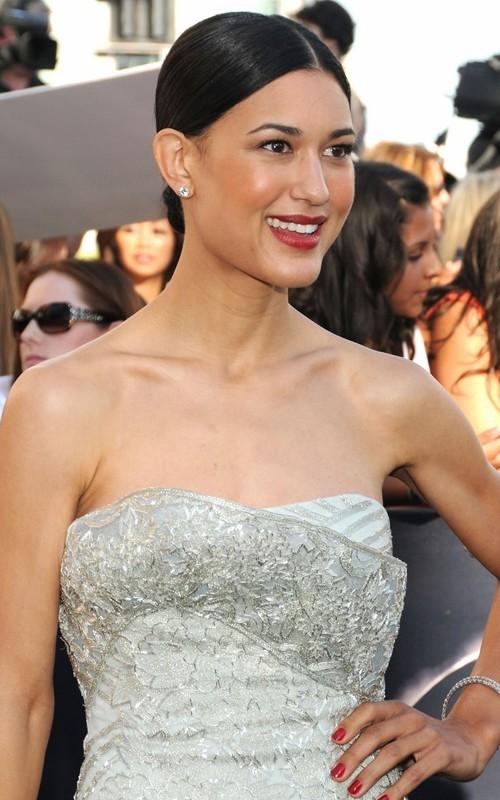 Julia Jones sul red carpet della Premiere mondiale di Eclipse a Los Angeles, il 24 giugno 2010