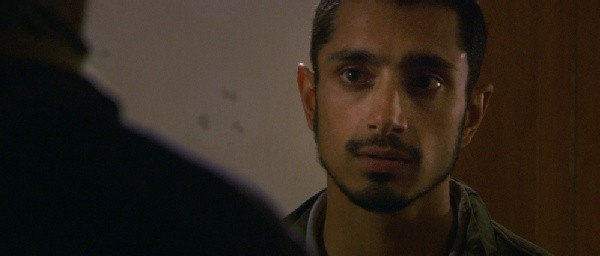 Primo piano di Riz Ahmed dal film Four lions