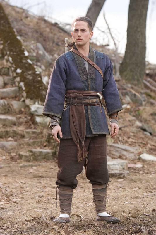 Jackson Rathbone è Sokka nel film The Last Airbender