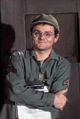 "Gary Burghoff nel ruolo di Walter Eugene ""Radar"" O'Reilly in M.A.S.H."