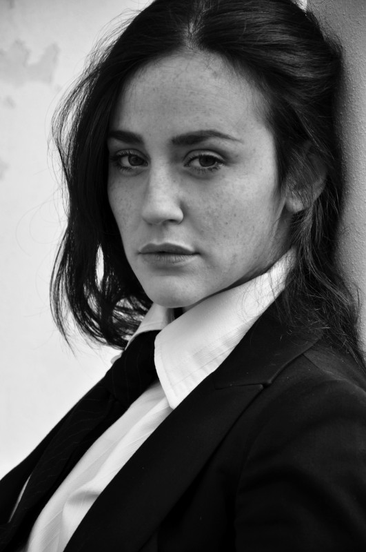 Maria Chiara Augenti in un ritratto in bianco e nero di Marco Giraldi