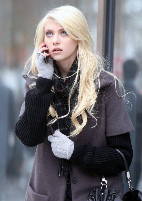 Taylor Momsen sul set di Gossip Girl, nel dicembre 2009