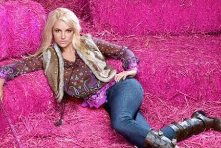 Britney Spears posa per la sua linea d'abbigliamento Candie