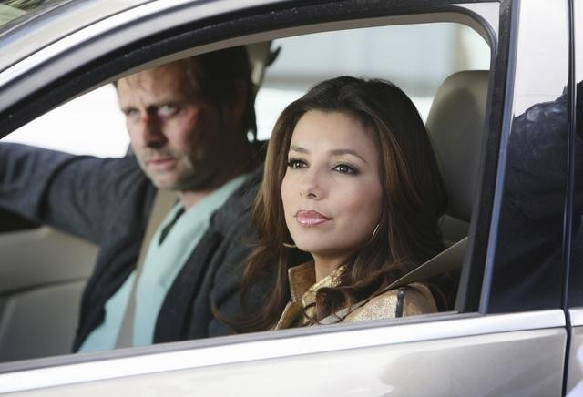 Eva Longoria Parker e Jeffrey Nordling nell'episodio I Guess This Is Goodbye di Desperate Housewives