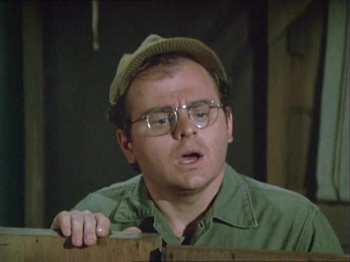 Gary Burghoff in una scena di M.A.S.H.