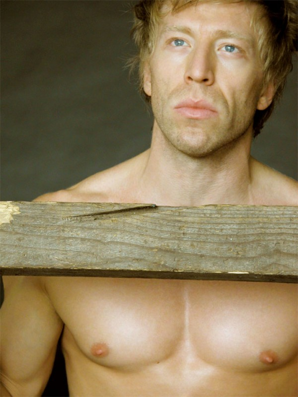 l'attore Ottaviano Blitch in una immagine sensuale