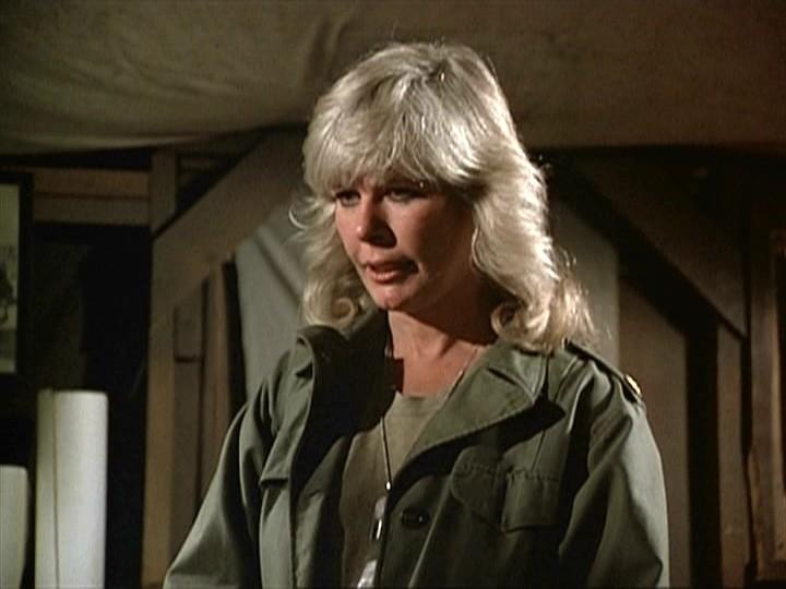 Loretta Swit in una scena del telefilm M.A.S.H.