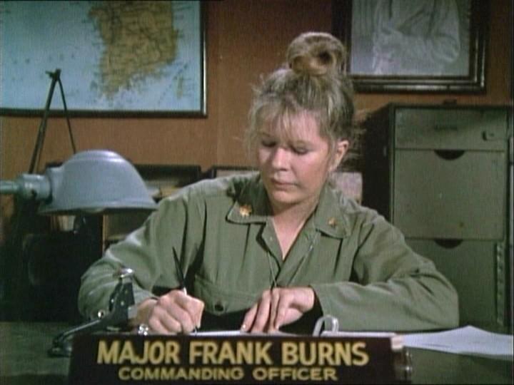 Un'immagine dal telefilm M.A.S.H. che ritrae Loretta Swit