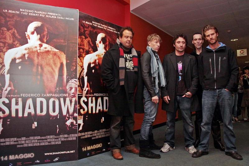 Zampaglione e il cast di Shadow all'incontro con la stampa