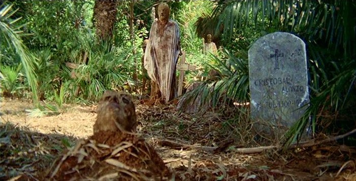 La resurrezione degli zombie in una scena del film Zombi 2