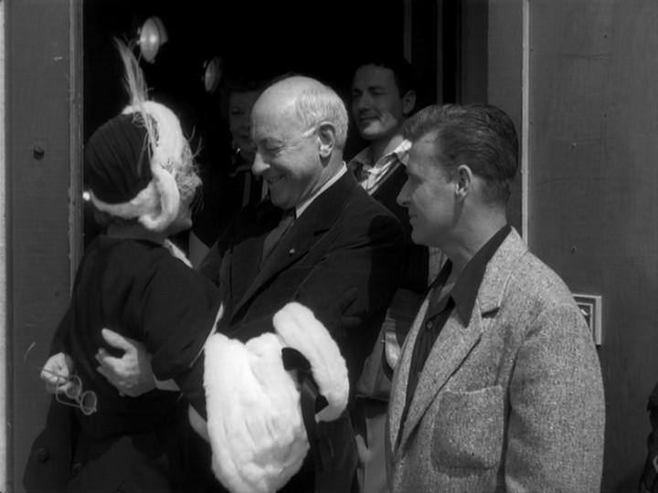 Gloria Swanson con Cecil B. DeMille in una scena del film Viale del tramonto