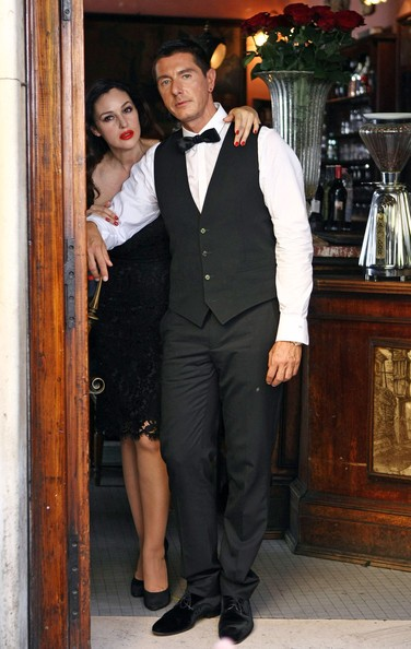 Monica Bellucci con Stefano Gabbana durante le riprese dello spot Martini Gold (2010)