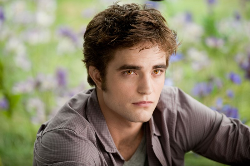 Un bel primo piano di Edward Cullen (Robert Pattinson) nel film The Twilight Saga: Eclipse