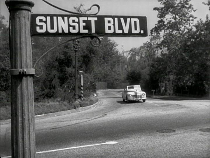 Una scena del film Viale del tramonto