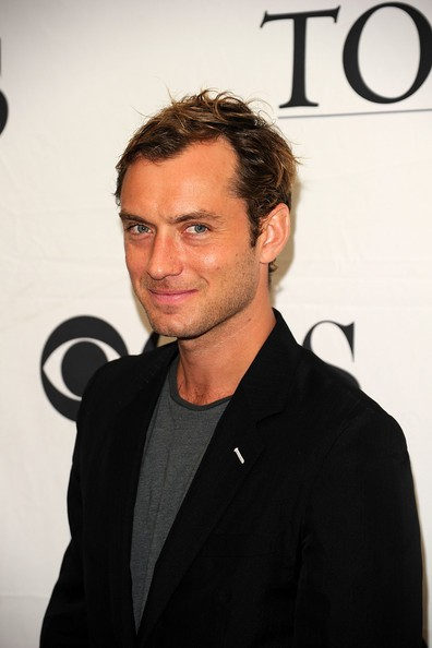 Jude Law ai Tony Awards 2010