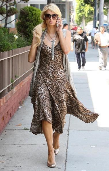 Paris Hilton passeggia per NY