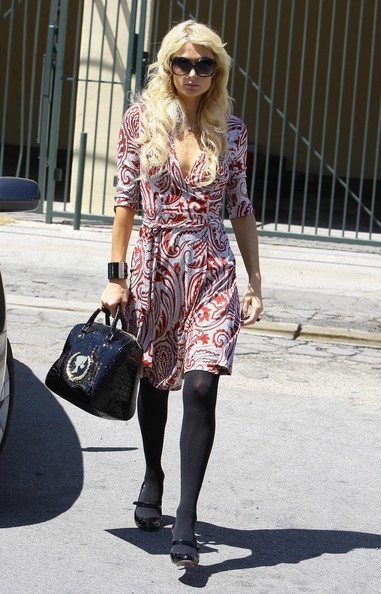 Paris Hilton va a fare shopping
