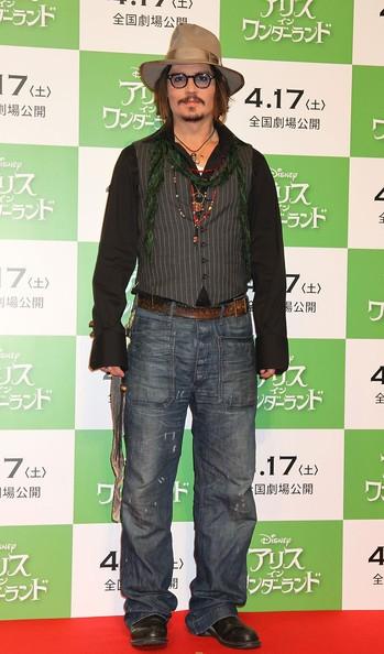 Johnny Depp alla press conference giapponese di Alice in Wonderland